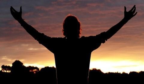 Louvar a Deus