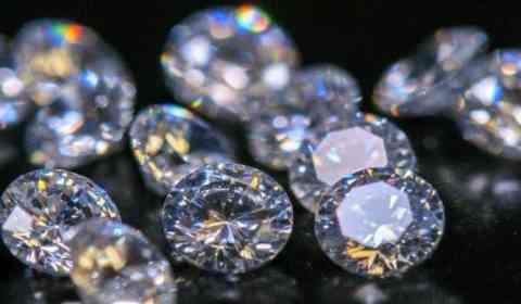 Sonhar com diamantes