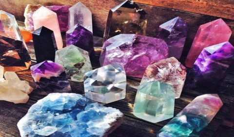 cristais para atrair dinheiro e abundância